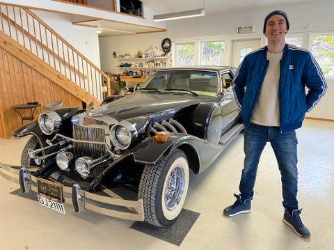 BUD: - Byr du 300.000 kroner for denne bilen ligger du bra an, sier Stian Holtet hos Besth Invest i Drøbak. FOTO: Ole Jonny Johansen