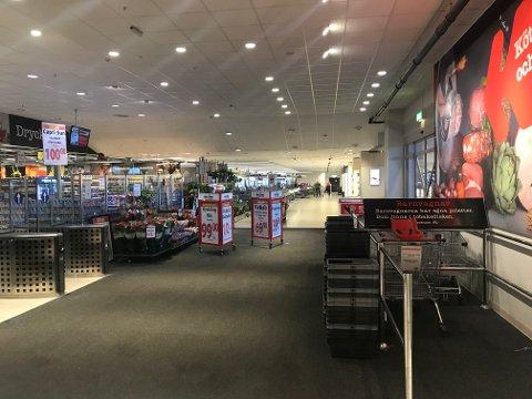 FOLKETOMT: Nordby shoppingcenter er ikke til å kjenne igjen etter at grensen ble stengt.