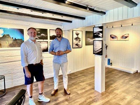 Werner Anderson og Tomas Sættem ser frem til utstillingen, som skal henge hos Soon smykkeverksted ut juli.