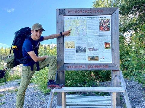 TURGLAD: På dette bildet var Hans Viktor Pedersen (22) på vei fra Oslo til Trondheim. Til sommeren er han klar for ny langtur.