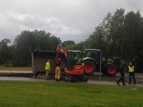 En traktor kjørte av veien i Vestby fredag ettermiddag.