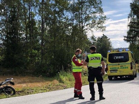 Nødetatene rykket ut etter en MC-ulykke i Garderveien søndag formiddag.