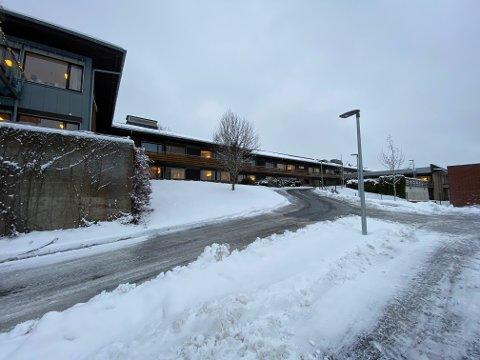 En eldre pasient ved Vestby sykehjem døde mandag denne uken, etter å ha blitt smittet av koronaviruset.