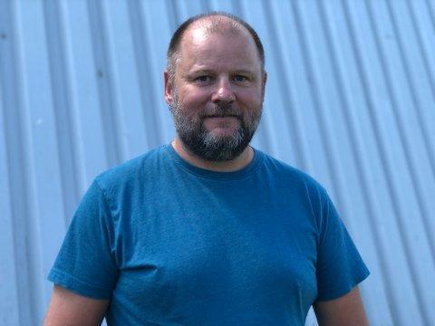 FORVENTER HØYT TESTTALL: Enhetsleder og testsjef Stein Roger Jørgensen spår at de iløpet av fredag kan komme til å tangere det høyeste antallet tester gjennomført iløpet av en dag i kommunen.