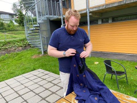 LURT: Da Mossingen Stian Moen (29) bestilte en frakk på nett, forventet han ikke det som kom i posten etter fire måneder.