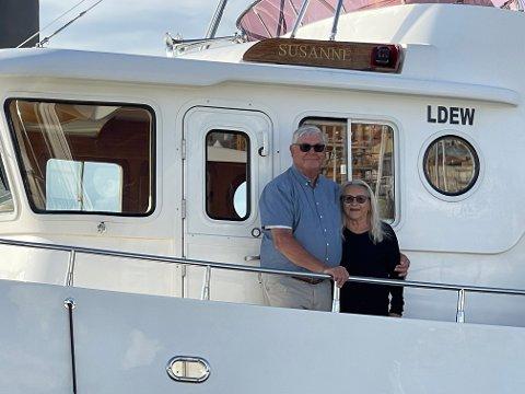 FLYTENDE HJEM: Båten «Susanne» har vært ekteparet Gunnar og Ingas andre hjem siden de kjøpte den i 2008. Siden 2013 har båten hatt hjemmehavn i Spania, men nå er den på vei hjem til nye eiere i Son.