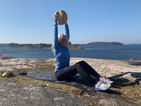UTETRENING: Jannet Erin Nordby (48) satser på treningsveiledning utendørs som en av hennes nye forretningsidèer.