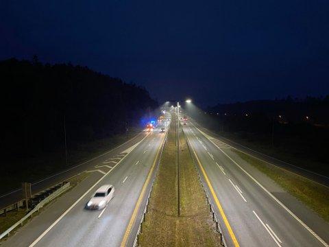 ULYKKE: Det skal ikke være snakk om personskader etter ulykken ved avkjøringen til Son i morgentimene fredag.