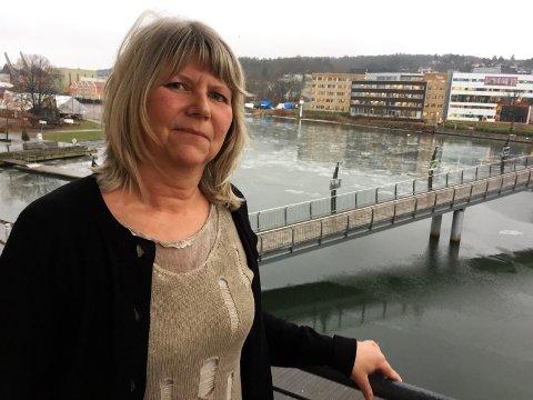VANT I RETTEN: Inger Warhuus fikk tilbake jobben. Hun håper å kunne jobbe i mange flere år i lokalene på Brygga i Tønsberg.