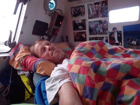 SLAPPER AV: Stein Hoff i Fox II et sted på Atlanterhavet nå i sommer. Han rodde 12-15 timer per dag, ellers gjorde han lite annet enn å spise og sove.