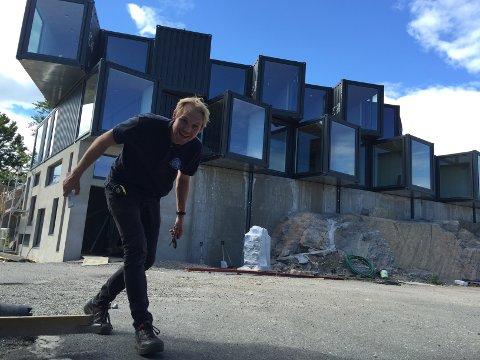 NYBROTTSARBEID: Mats Asdahl er CSI-prosjektleder for Torp panorama og Torp campus. Her fra byggingen av administrasjonsbygget.