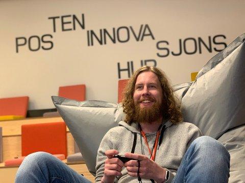 BRA KOMBO: Terje Ballestad kjeder seg ikke på jobb. Som gamification/UX-designer får han brukt erfaringen både fra spillutvikling og jobben som sjåfør.