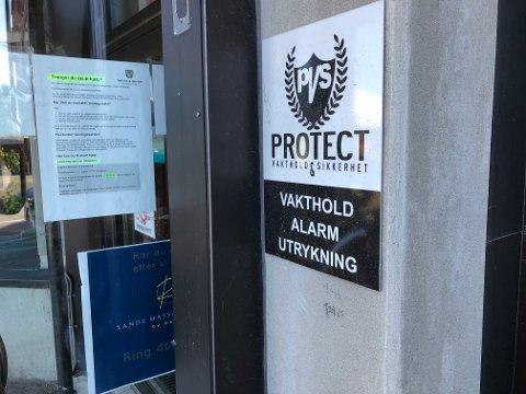 KROKEN PÅ DØRA: Etter femten års drift er det nå slutt for Sande-firmaet Protect Vakthold & Sikkerhet AS. Alarm-leverandøren Protect Vakthold & Sikkerhet Sande AS er for ordens skyld ikke direkte berørt av konkursen.