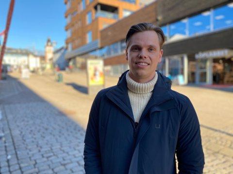ENDRING: Jeg satt på jobb da jeg fikk beskjed om at jeg fikk den nye jobben, og hele meg begynte å skjelve, sier Thomas Byholt.