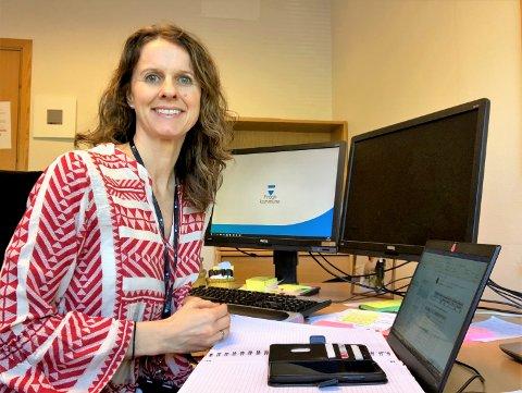 Mari Rasmussen (41) jobber vanligvis i legemiddelindustrien,  men i disse dager er hun del av Frogn kommunes smittevernteam.