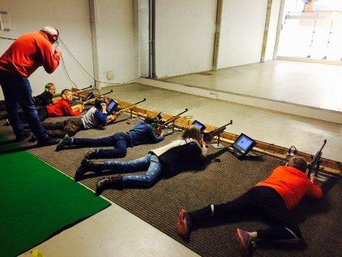 Skyteskole arrangert av Aas Skytterlag tidligere i 2017.