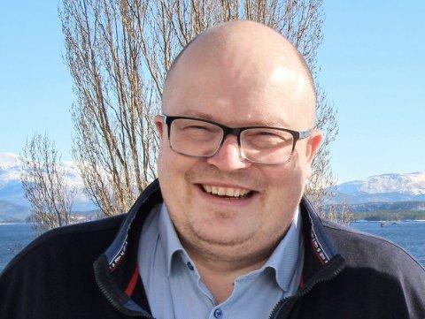 POSITIV: Per Vidar Kjølmoen, 1. kandidat til Arbeiderpartiet til høstens valg, liker forslaget om likere nettleie, slik Halvard Fjeldvær i bransjeforeningen Distriktsenergi foreslår.