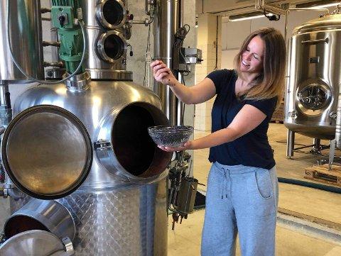 – Vi kunne ikkje ha bedt om nokon betre start for bedrifta, seier Therese frå Feddie Ocean Distillery.