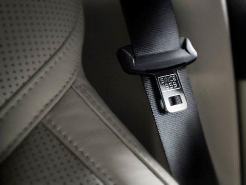 Riktig bruk av bilbelte reduserer risikoen for å omkomme betydelig.