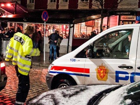 7. mai i år ble mannen pågrepet utenfor Fotballpuben i Bergen sentrum. Dette bildet er tatt i en annen sammenheng.