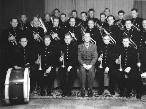 Politiorkesteret har rike tradisjoner, og dette er det første bildet som er tatt etter starten i 1947.