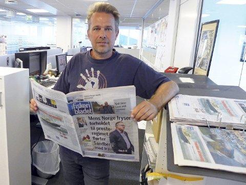 AVSLØRTE: Øystein Hage og Fiskeribladet har avslørt fiskeriminister Per Sandbergs omstridte Iran-bånd. Han har fortsatt ikke bestemt seg for om de skal offentliggjøre flere tekstmeldinger fra Sandberg, eller om de skal anmelde ham til politiet. FOTO: OLE ERIK KLOKEIDE, FISKERIBLADET