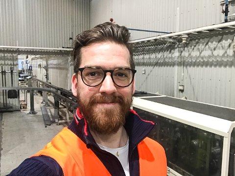 HELE EUROPA: Anders Bjørkesett reiser rundt og gjør fabrikker over hele Europa mer effektive – blant annet med roboter.