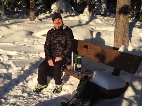 GLAD I SKOGEN: Ken-Thomas Johansen går ofte på tur i skogen.