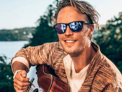 EVENTYRLYSTEN: Da Martin Hansen (29) var lei av hverdagen, solgte han leiligheten sin for å reise. Han har nå reist hjem og startet en egen dykkerskole i Stavern.
