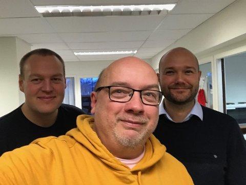 PODCASTGJENGEN: Solkongen Arne Hjorth Johansen, med Fredrik Helland og Torgeir Halvorsen litt i skuggen.