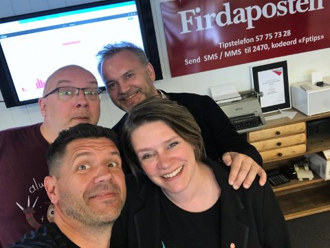 PÅ POD-BESØK: Ordførar i Bergen, Marte Mjøs Persen, og ordførar i Flora, Ola Teigen var denne veka i Podcast-studioet saman med Dag Frøyen og Arne Hjorth Johansen.