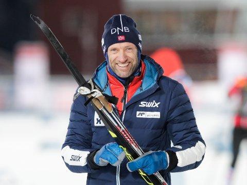 SLUTTAR: Odd-Bjørn Hjelmeset gir seg som idrettssjef i Norges skiskyttarforbund.