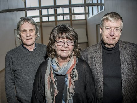 Lang erfaring: Henning Persson (til venstre), Anne Karin Røtne og Iacob I. Nordby takker av som rektorer, riktignok med vemod. Røtne er kommunens eldste rektor. – Jeg kommer til å savne kollegene, foreldrene og elevene, sier hun.