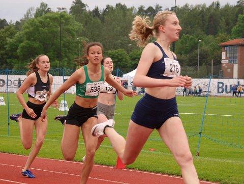 FØRST I MÅL: Ida Breigan (til høyre) vant begge sprintdistansene hun stilte opp på under Tyrvinglekene i Bærum.