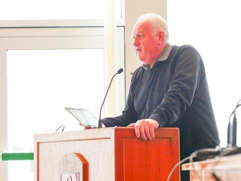 Paul Rosenmeyer stiller spørsmål til Narvik bystyre torsdag.