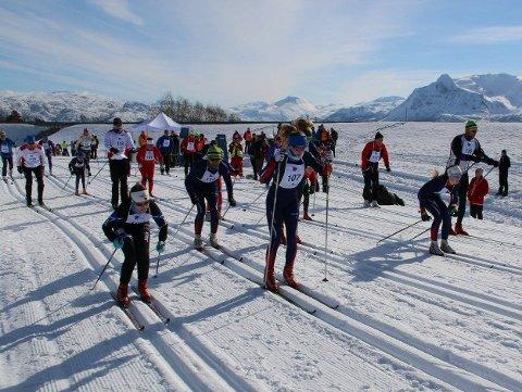 BEKYMRET:  Finn Magne Simonsen er bekymret for gjennomføringen av World Cup på Herjangsfjellet om bassenget i Bjerkvik stenger.