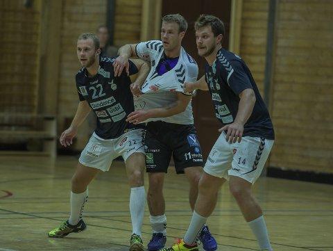 SLUTT PÅ DETTE: Michael Jonassen (i midten) er vant til å kjempe mot Simen Heyerdahl, Eirik Gilje og resten av Falk. Nå skal han kjempe med dem.