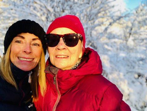 SAMMEN: - Jeg var utrolig redd da mamma ble borte, men heldigvis ble hun funnet slik at vi kan gå på flere turer sammen, sier datter Britt Erlandsen Villa. Her sammen med moren Ingrid Erlandsen.