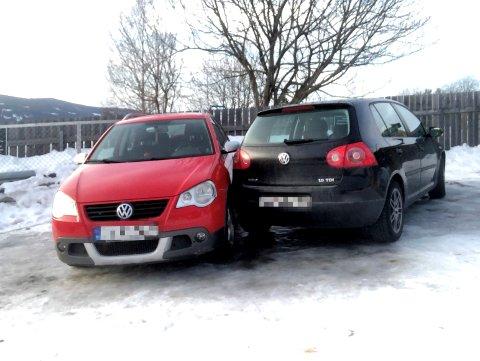 1. nyttårsdag 2020 sklei en parkert personbil inn i annen bil på parkeringsplassen ved Øversveen barnehage i Holteskogen i Lillehammer.