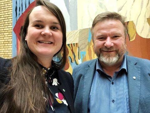 KLARE FOR NESTE STORTING: Senterpartiets Marit Knutsdatter Strand og Bengt Fasteraune tar gjenvalg til Stortinget