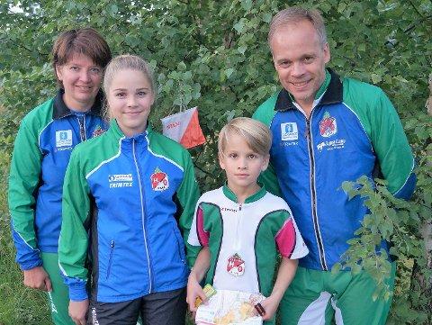 Orienteringsfamilie: Gunn Elin, Berthe, Nikolai og Einar deltar i over 30 løp i året.