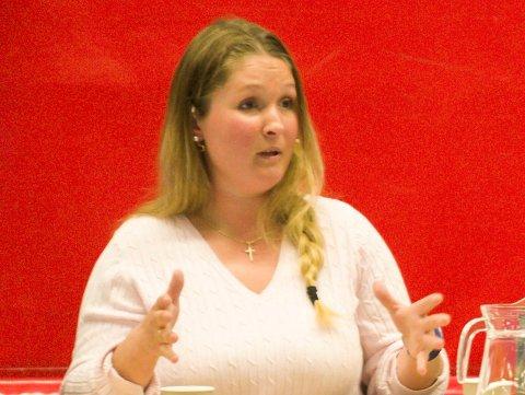 SOLO: Maria Therese Andresen-Aldersjøen (Frp) mener at John Bisgaard ikke kan kjøre solo og må opptre i pakt med partiprogram og styrevedtak i partiet.