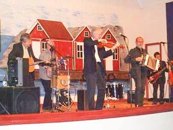 Majornas 3dje Rote har blitt populære i Halden. 1. juli spiller de i Sponvika.