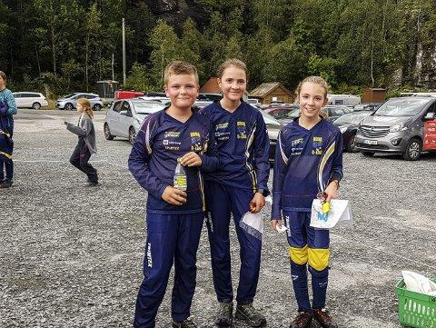 Vinnarar: Harald Solheim Eide, nummer to og tre i klassen H11-12, Karina Solheim Øyre, nummer ein og to i klassen 13-16C, og Rannveig Oma Løyning, vinnar begge dagar i klassen D11-12.Foto: Ottar Eide