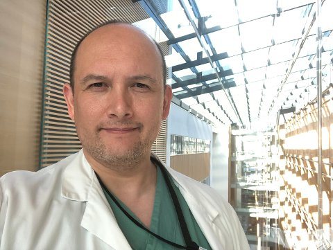 Oscar Caro Goldrine er kirurgisk overlege på Odda sjukehus, men er for tida i permisjon for å vidareutdanne seg.