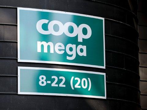 Coop Norge er blant dem som tilbyr papirposer til sine kunder. Foto: Lise Åserud / NTB scanpix