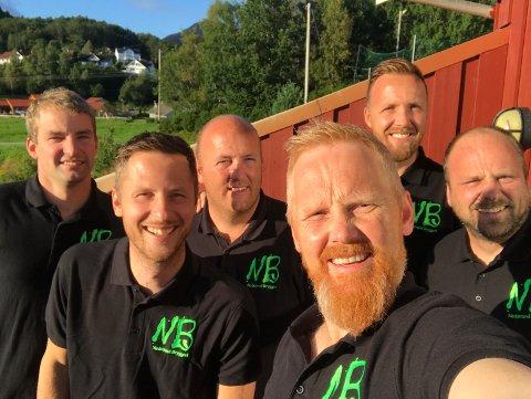 NEDSTRAND BRYGGERI: F.v. Lars Espevik, Helge Morten Askvig, Tor Gunnar Lilleskog, Svein Dalva, Kaj Arne Lilleskog og Roald Pedersen. Eivind Alsaker var ikke til stede da bildet ble tatt, men han er også med i bryggeriet.