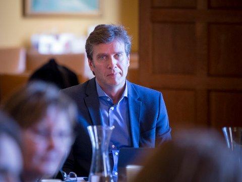 KARANTENEN FERDIG: Kommunedirektør Ole Bernt Thorbjørnsen i Haugesund forklarer at de setter personer i karantene, ikke prosjekter. Derfor er Aibel-arbeiderne som har vært i karantene og avlagt negativ covid-19 test tilbake ute i samfunnet fra mandag av.