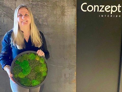 HARDT RAMMET: Haugesunder Monica Olsen (47) driver to virksomheter som er kraftig rammet av dataangrepet.