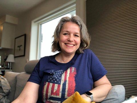 Linda Lovise Larsen har bodd i Bodø i mange år, men har flyttet til USA for en periode. Nå sitter hun koronafast i Norge.